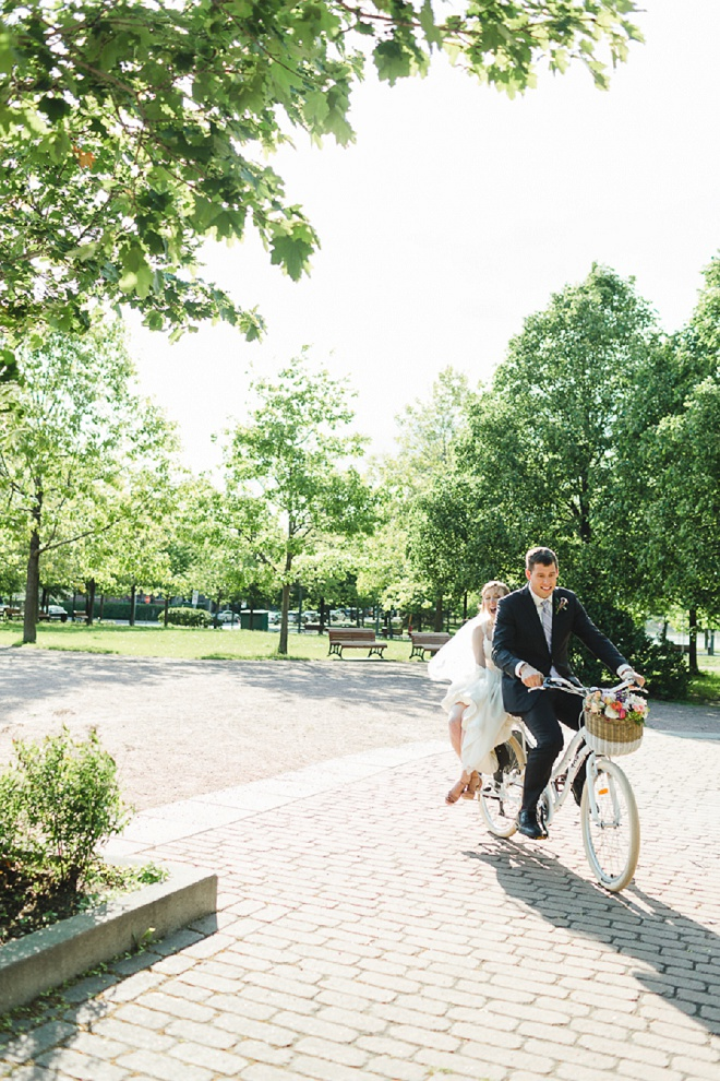 Swooning over these gorgeous and fun bicycle Bride and Groom shots!