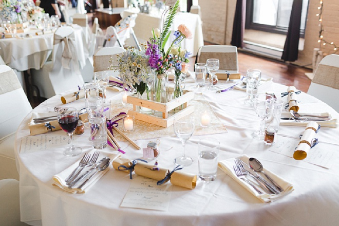 Loving this gorgeous and classic tablescape at this couples reception!