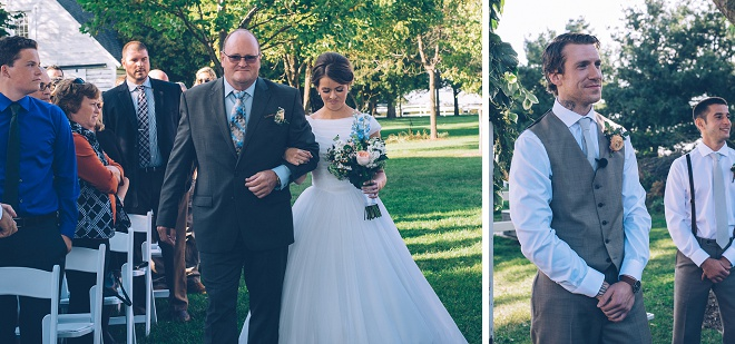 We're swooning over this gorgeous outdoor barn wedding!