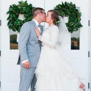 Loving this sweet boho wedding!