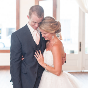 Swooning ovr this gorgeous couple and DIY wedding!
