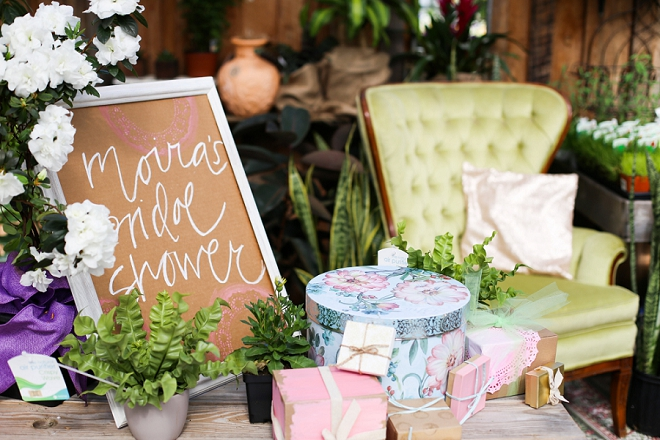 we love this gorgeous garden bridal shower and present set up