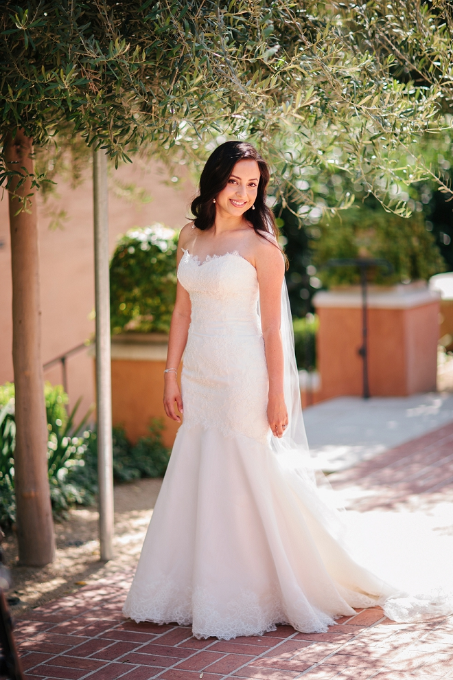 We're swooning over this beautiful bride and her gorgeous DIY garden wedding!