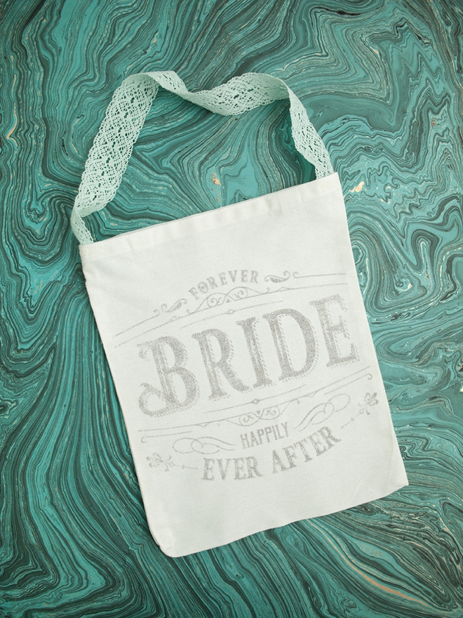 DIY | Freezer Paper Transfer Bridal Party Tote Bags