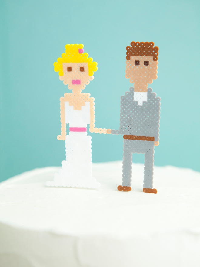 How cute are these mini perler bead wedding cake toppers! So easy to DIY!