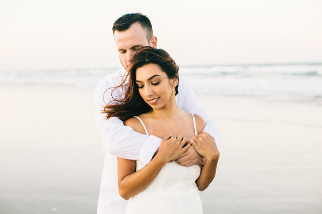 Loving this beach anniversary shoot for this gorgeous Mr. and Mrs!