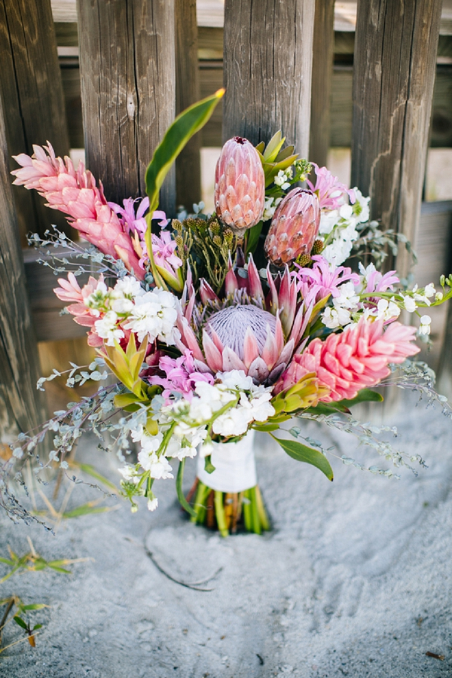 How gorgeous is this pink boho bouquet?! Swooning!