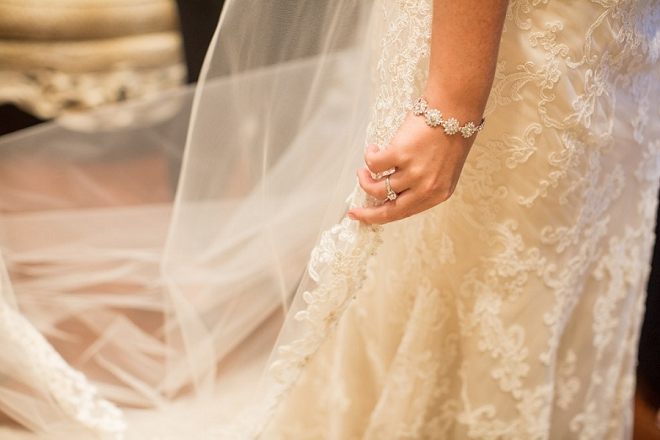 How sweet is this snap of the Bride getting ready?! Love!