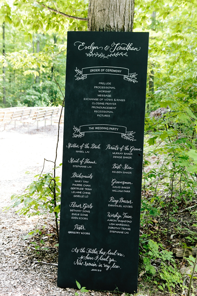 We are in LOVE with this gorgeous hand lettered wedding ceremony program sign!