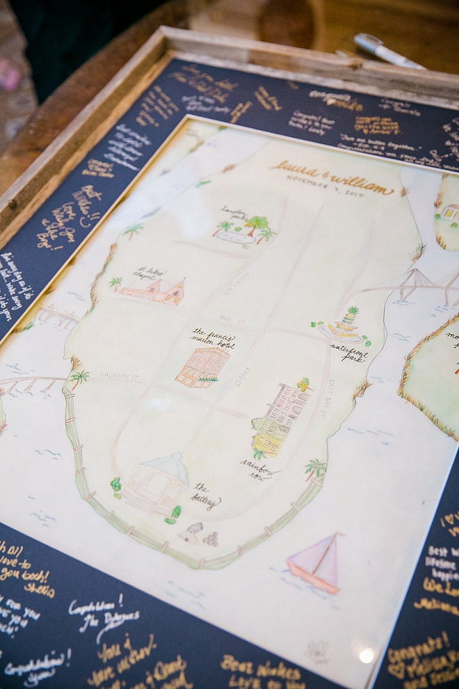 How AMAZING is this handmade guestbook by the Bride?! We're in LOVE!