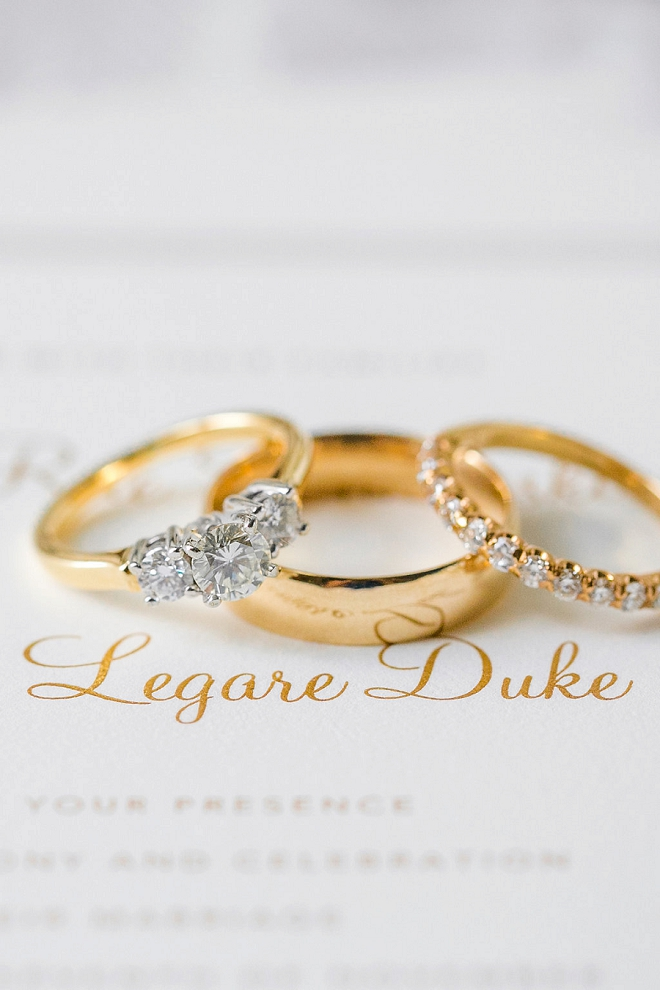 We're swooning over this gorgeous gold ring shot!