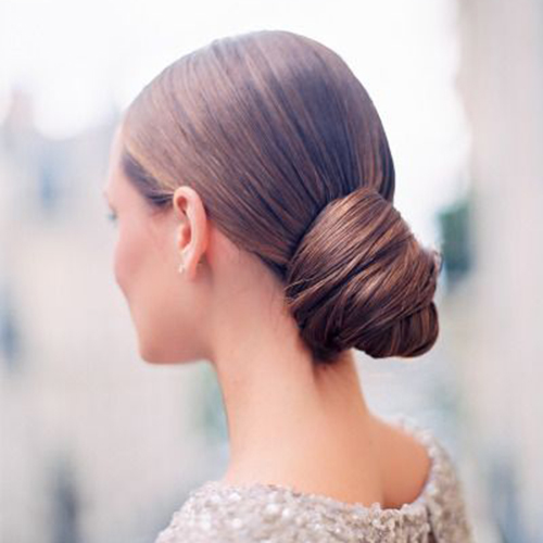 The Best Wedding Hair Tips For Wearing A Chignon