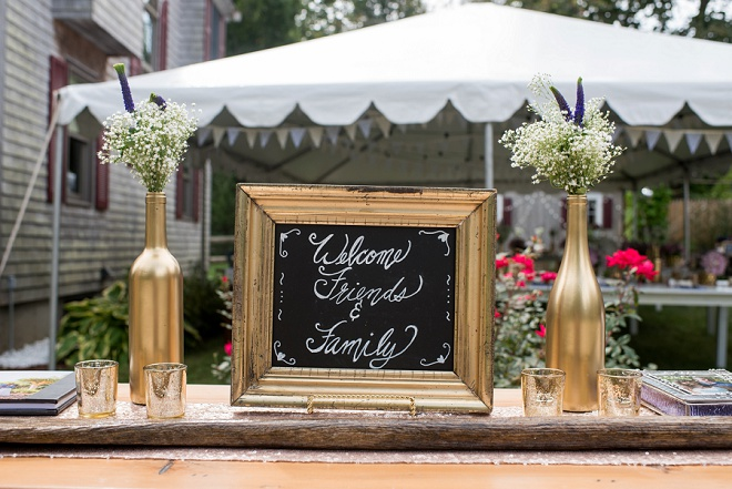 Loving the gold details and hand lettered sign to welcome!