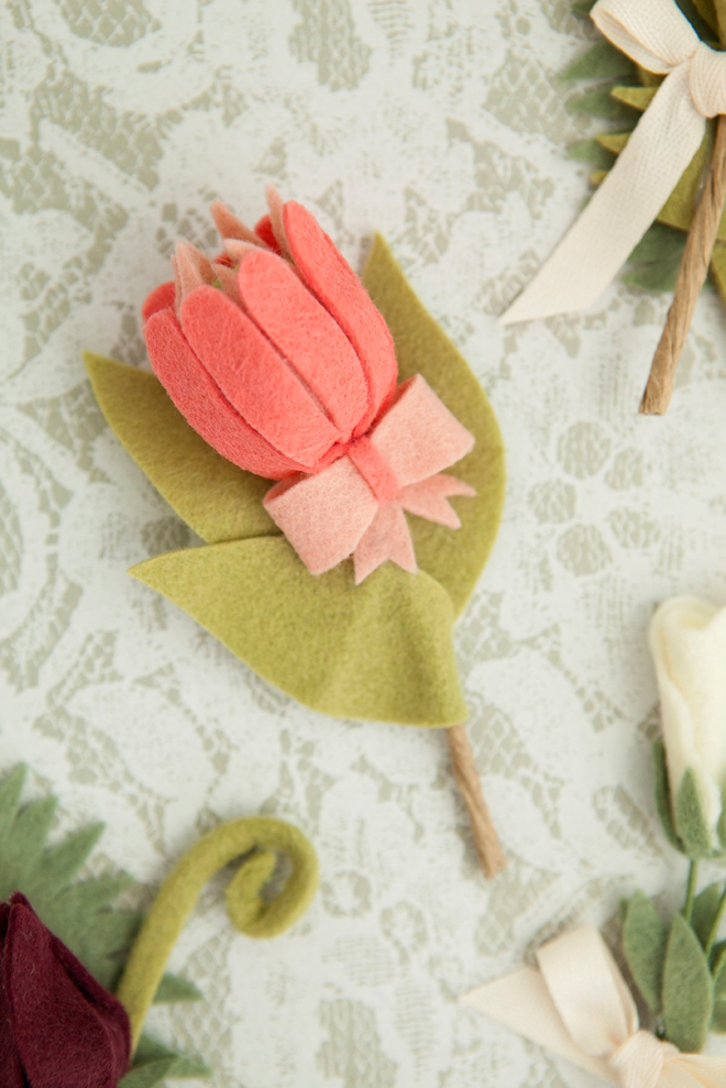 How to make the most darling felt flower boutonnieres!