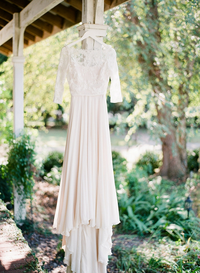 We're in love with this Bride's gorgeous blush wedding dress!