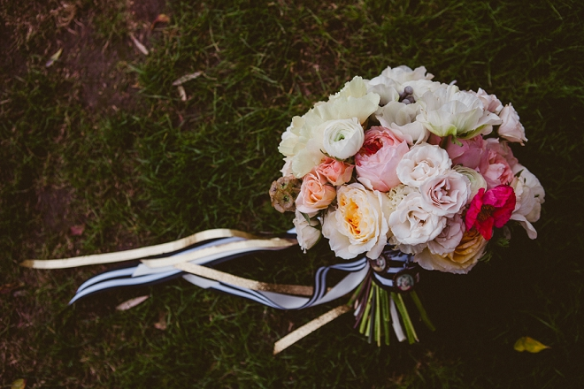 We're in LOVE with this stunning wedding bouquet and colorful pops!