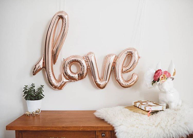 Obsessed with this rose gold LOVE balloon!