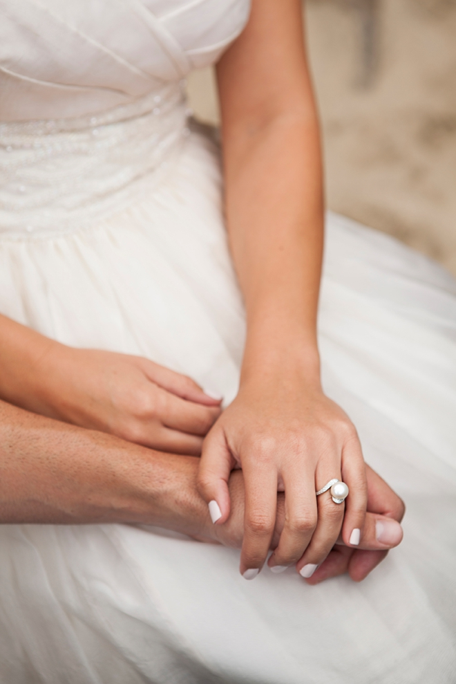 Giant pearl wedding ring, so chic!