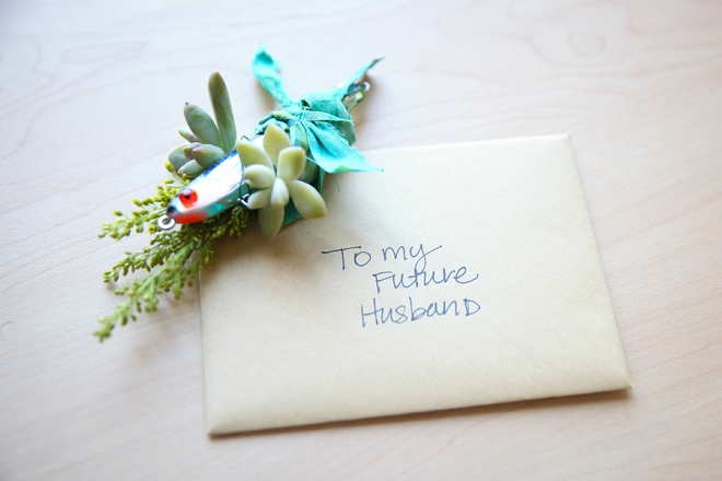 We love this Bride's sweet note for her Groom!