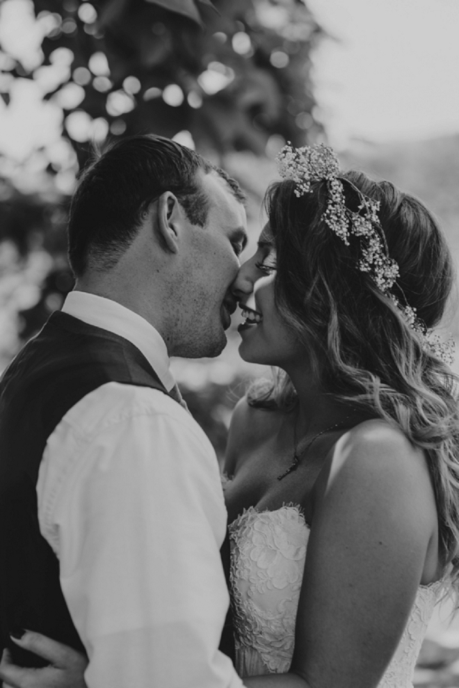 We're swooning over this amazing shot of this gorgeous couple!