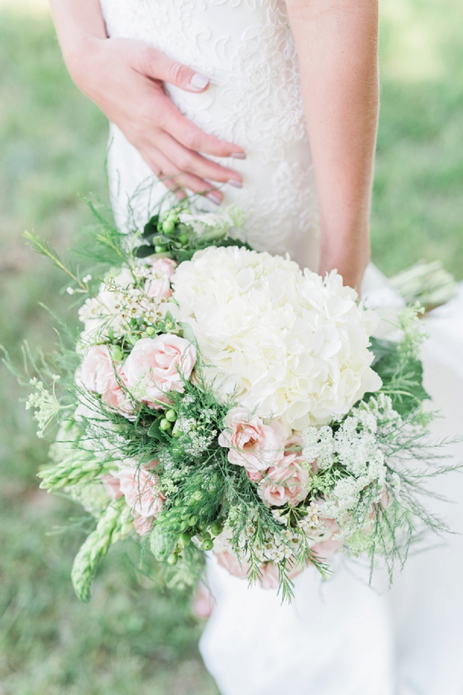 We're in LOVE with this Bride's soft and romantic wedding day style!