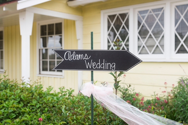 We're in love with all of the rustic signs at this stunning rustic wedding!