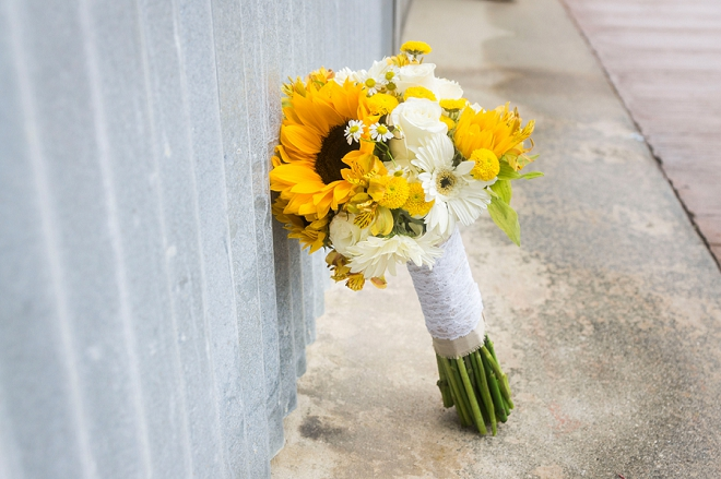 We love this bride's darling sunflower wedding bouquet!