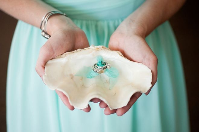 In LOVE with this beachy ring shot!