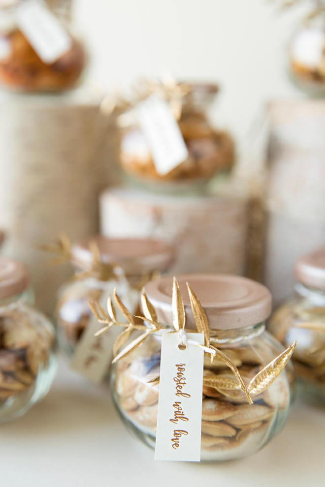 Give homemade roasted pumpkin seeds as your wedding favors!
