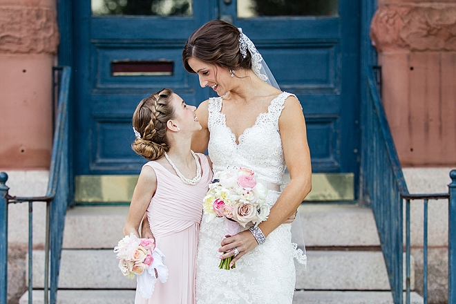 We love this sweet snap of the Bride and her daughter before the ceremony!