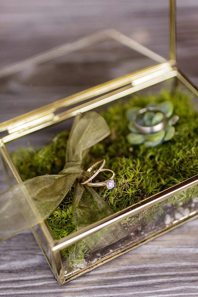 We love this simple and stunning ring shot and gorgeous ring box!