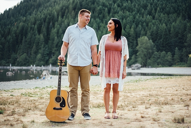 We love this guitar lakeside engagement session!