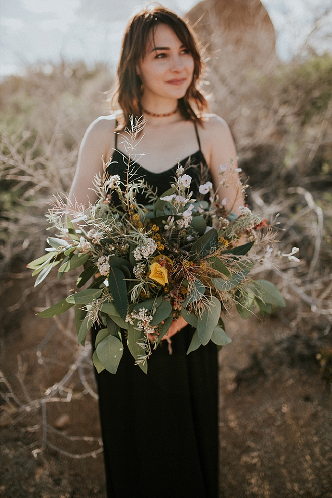 We can't get over this stunning bouquet at this boho-chic engagement session!