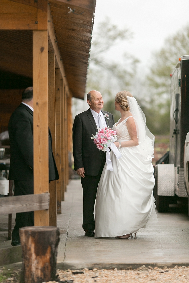 What a darling peek of the Bride and her Dad before the ceremony!