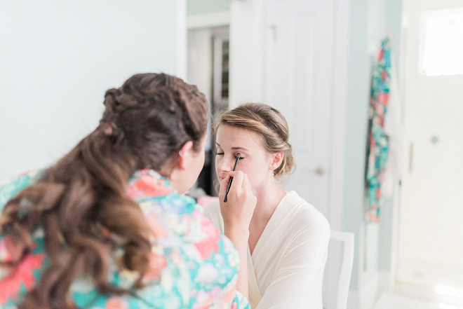 Such a sweet snap of this Bride getting ready for the big day!