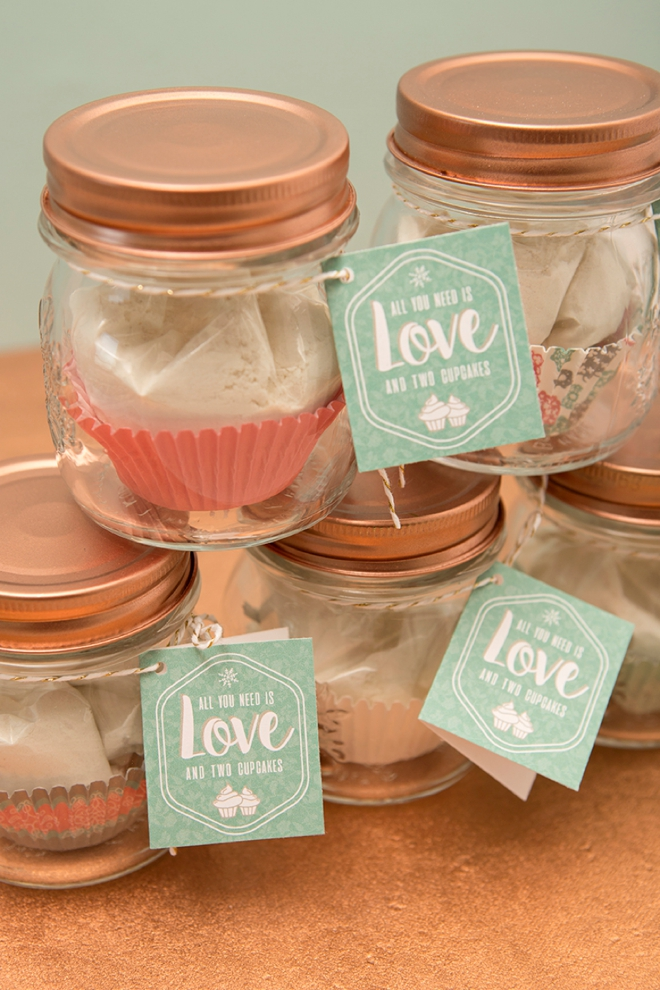 Of Only Two Cupcakes Or Are Making These As Your Wedding Favors You Ll Find That The Recipe Is Easy To Follow And Will Always Make Great Cakes