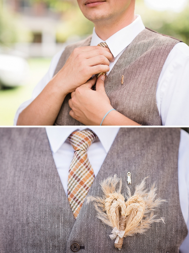 How great is this Groom's wheat boutineere?!