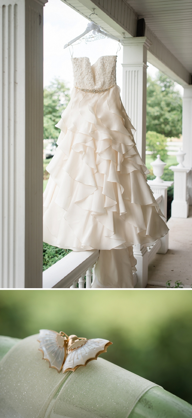 The Bride's stunning wedding dress and details!