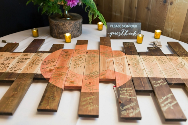 How crafty is this wooden Colorado flag for this couple's guest book?! LOVE!