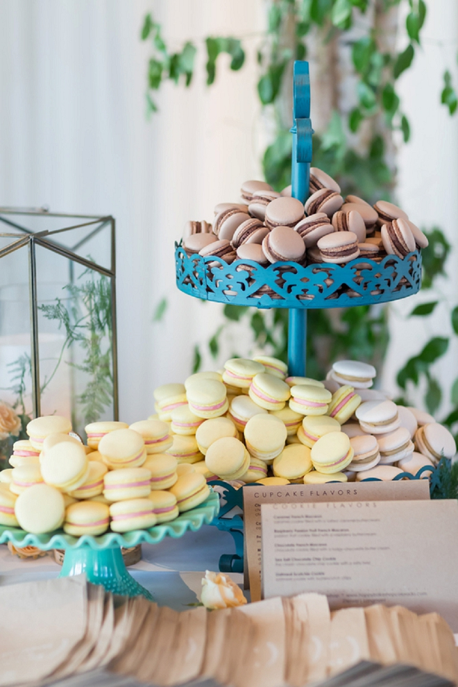 We're in LOVE with this couple's stunning dessert table!