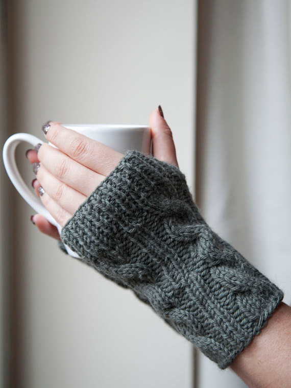 We're in LOVE with these cable knit fingerless gloves!
