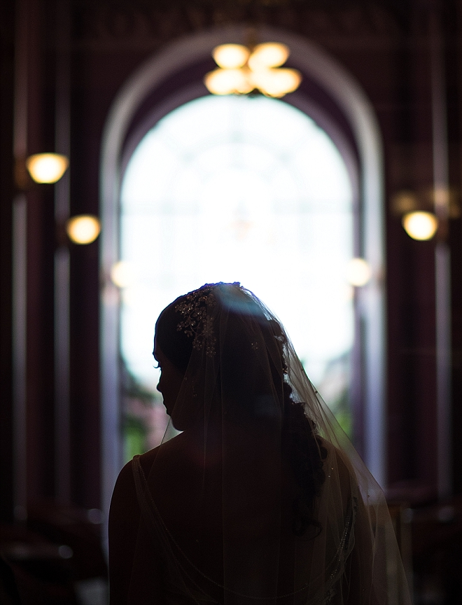 Stunning shot of the Bride before the ceremony! Swoon!!