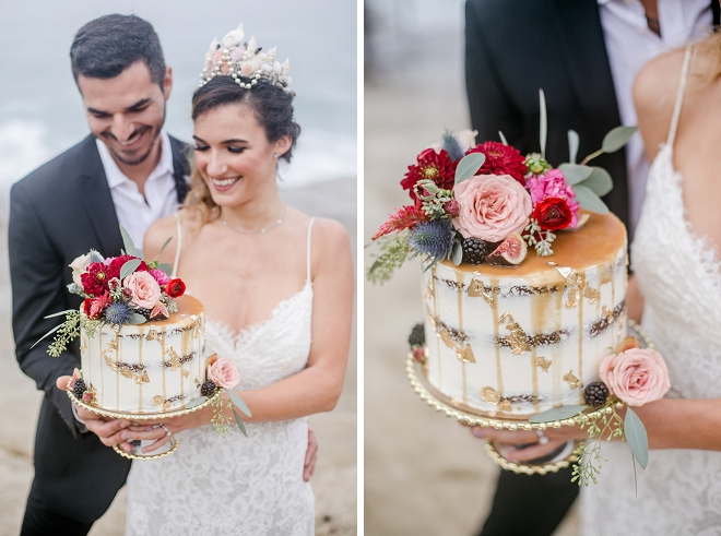 This cake is what weddings are made of! We're in LOVE with this stunning cut cake!