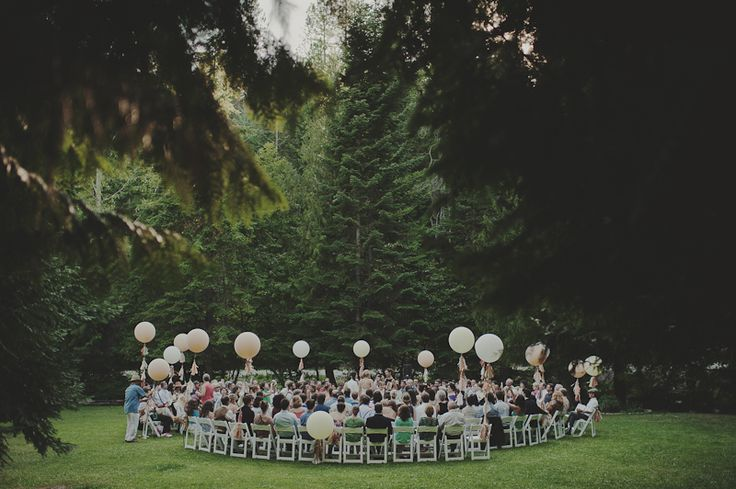 Why didn't I think of this before!? Circular seating while you're getting married. SO unique.