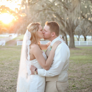 Crushing on this romantic rustic wedding day!