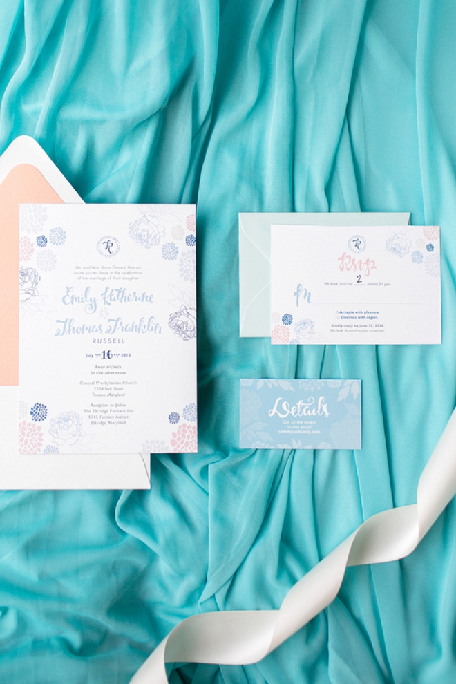 We're loving this gorgeous invitation suite designed by the Bride herself!