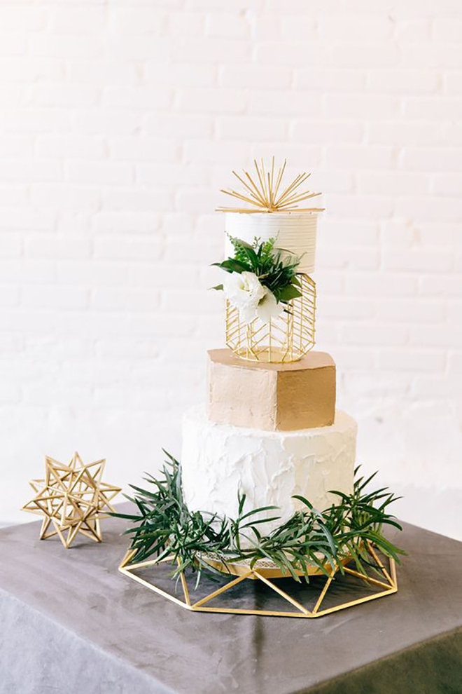 Greenery and geometric details are a perfect match.