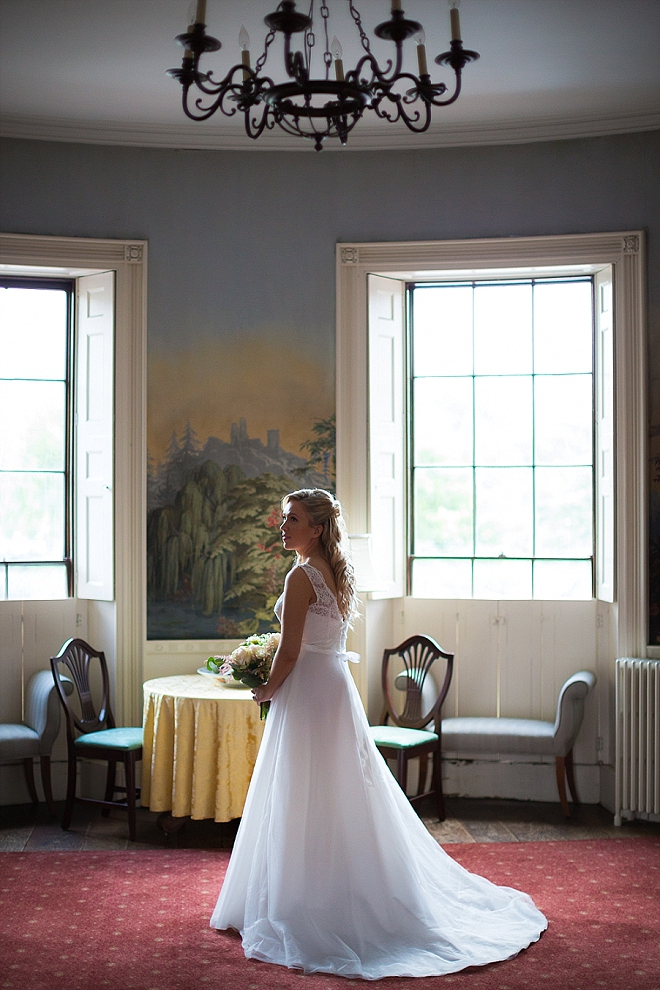 Crushing on this super sweet snap of the Bride before the first look!
