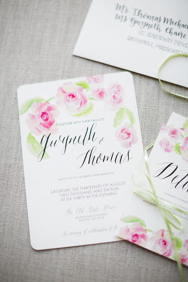 How stunning are these watercolor invitations the Bride printed herself?! We LOVE them!