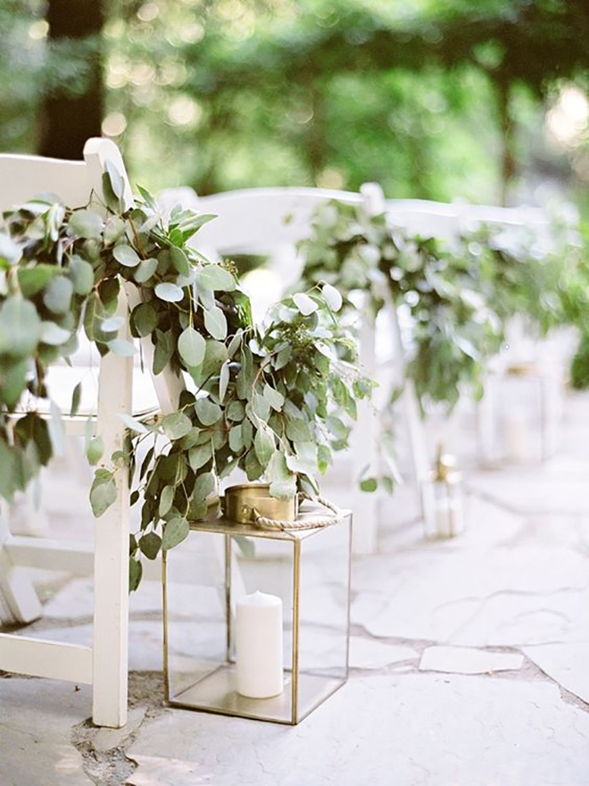 Garlands make lovely aisle decor.